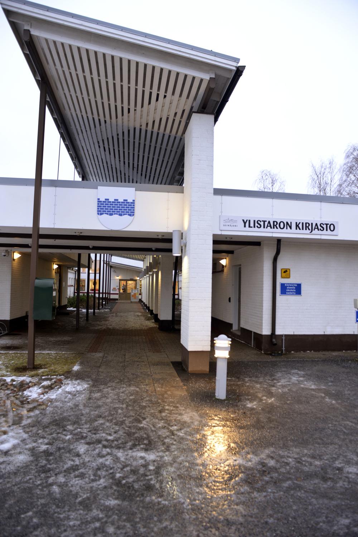 Ylistaro library