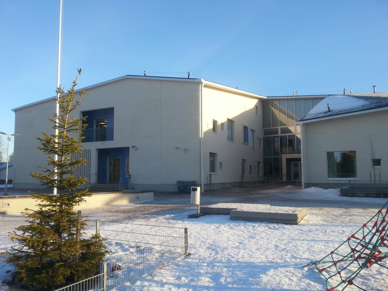 Lojo, Ojaniittuhusets bibliotek