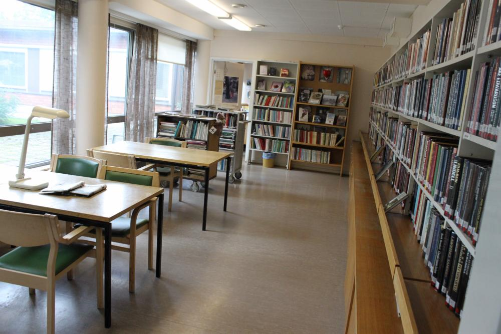 Tammikartano and Vaasa city hospital library