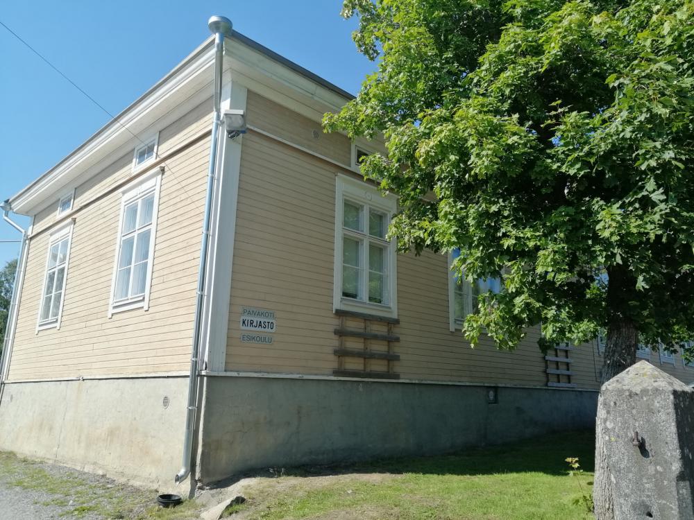 Ahlaisten kirjasto