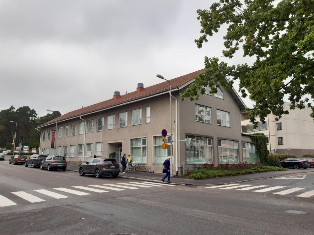 Karis bibliotek - Karjaan kirjasto