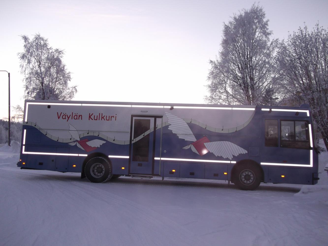 Tornionlaakson kirjastoauto Väylän kulkuri (Ylitornio ja Pello)