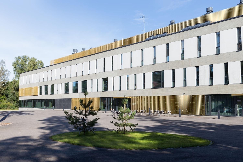 Maanpuolustuskorkeakoulun kirjasto