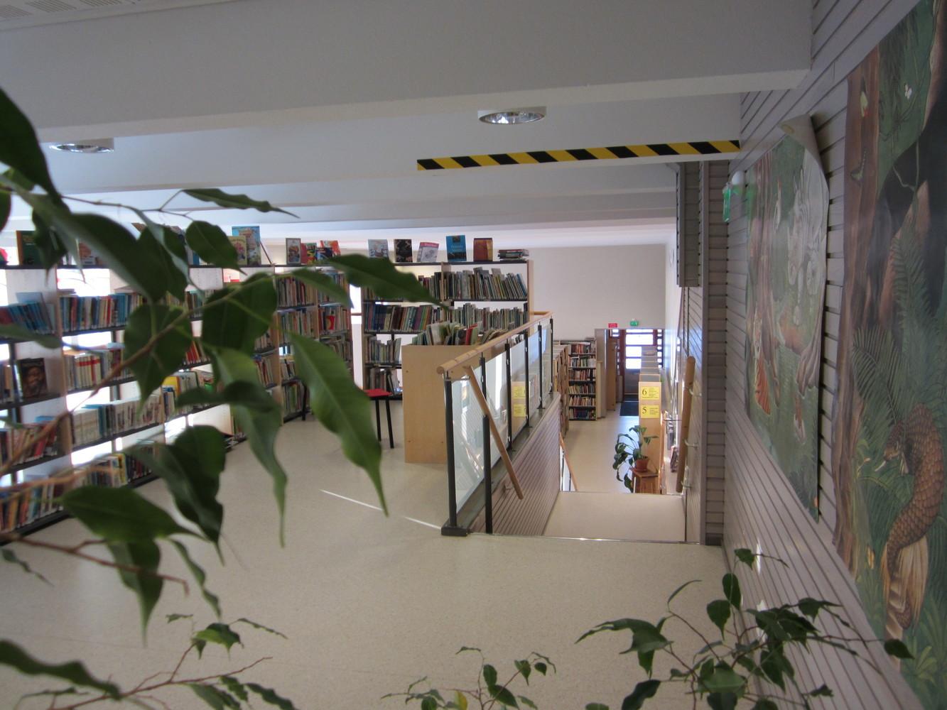 Lapväärtin kirjasto