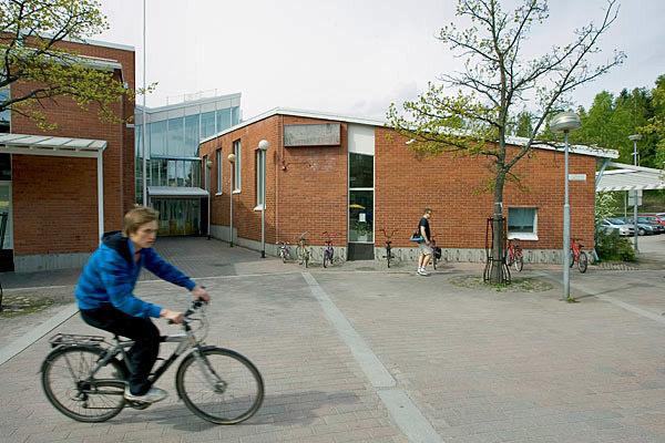 Malminkartanon kirjasto 2012