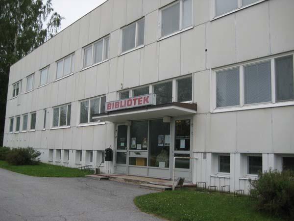 Yli-Ähtävän kirjasto