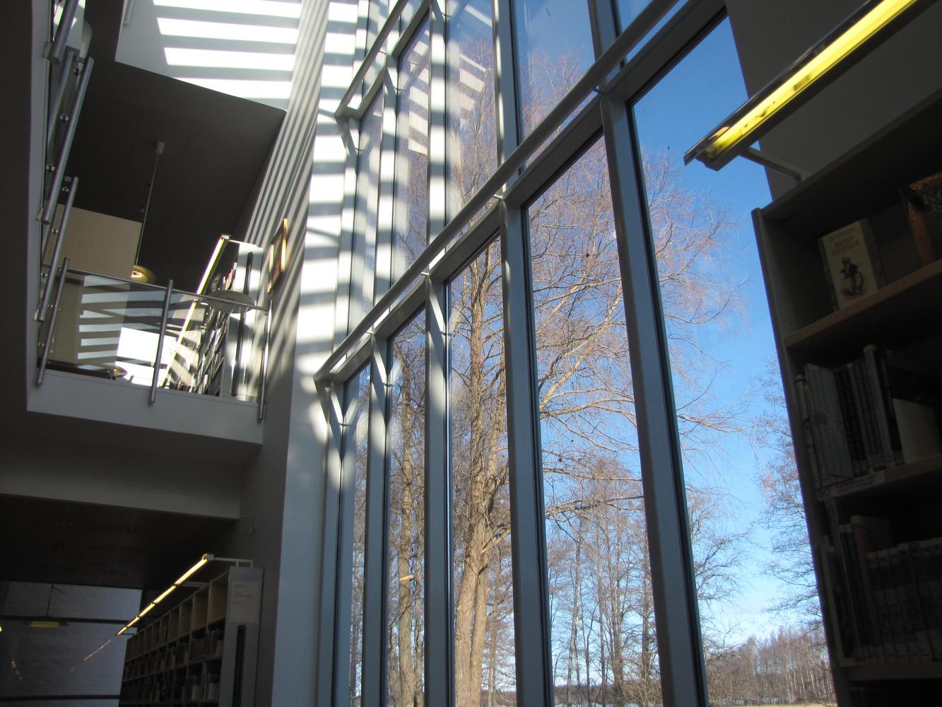 Poleenin kirjasto, pääkirjasto