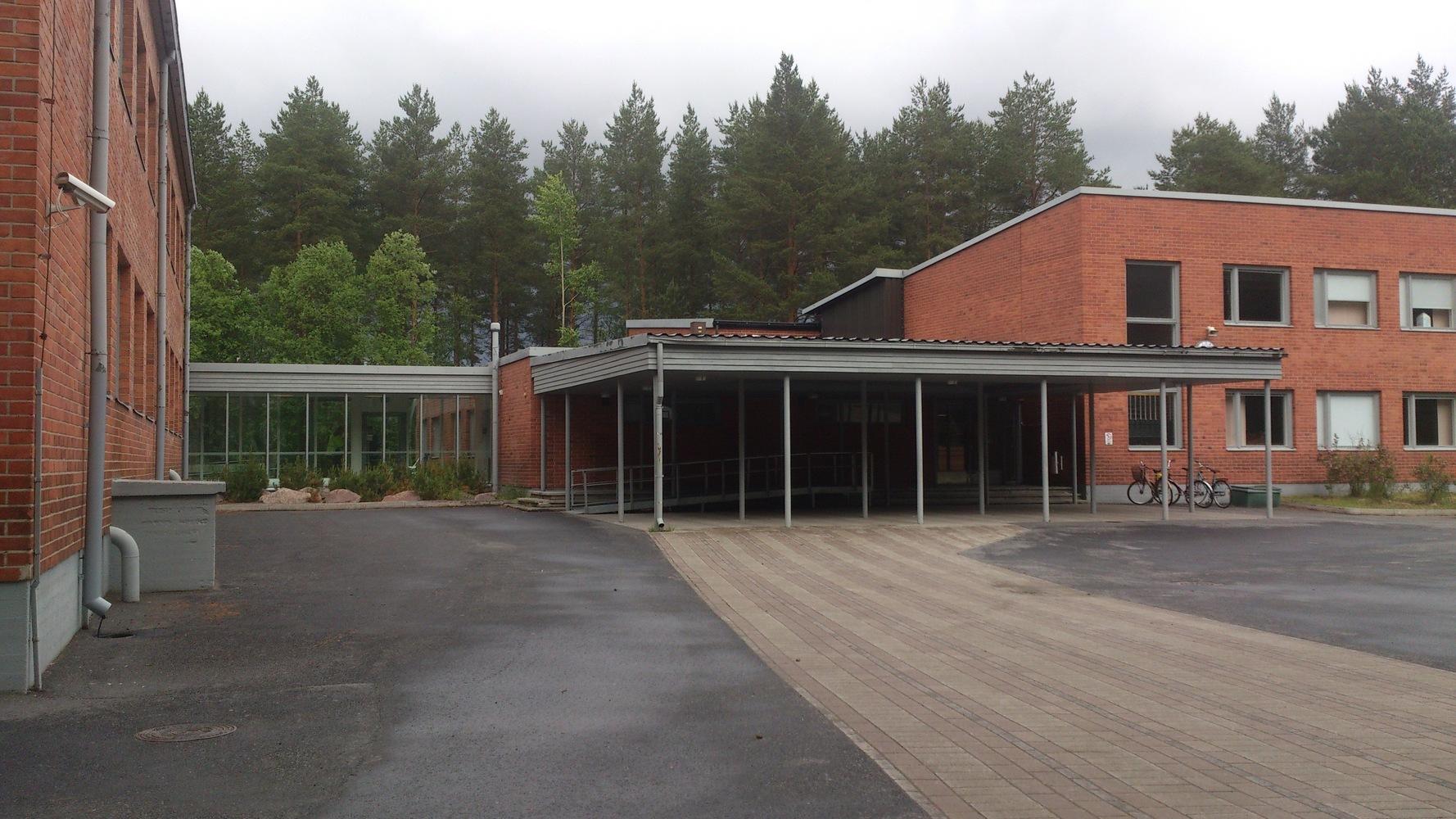 Puolivälinkangas library