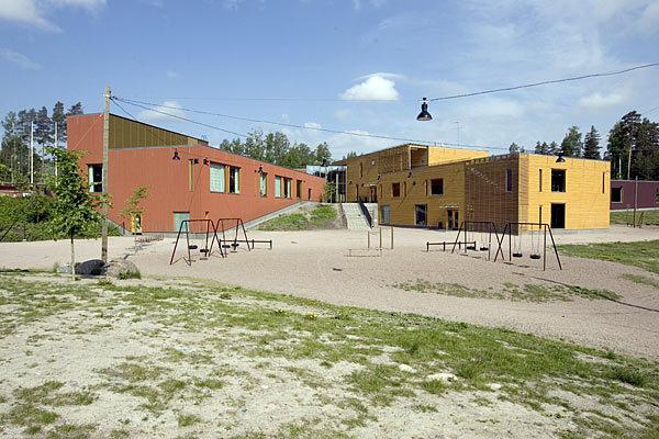 Sakarinmäen lastenkirjasto kesällä 2009