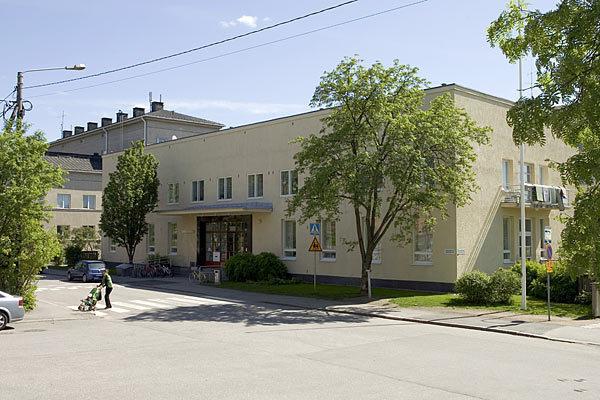 Käpylän kirjasto kesällä 2009