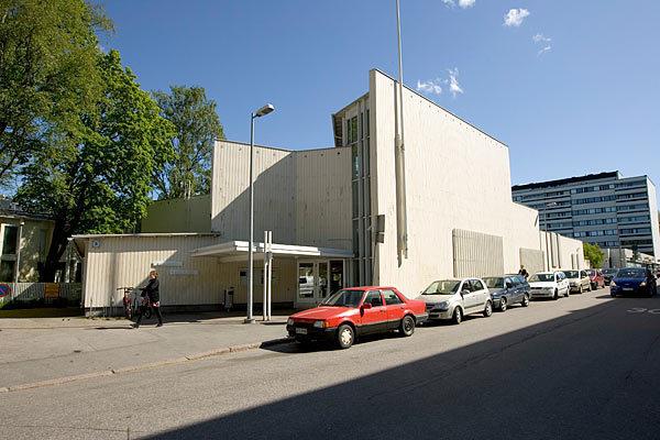 Vallilan kirjasto kesällä 2009